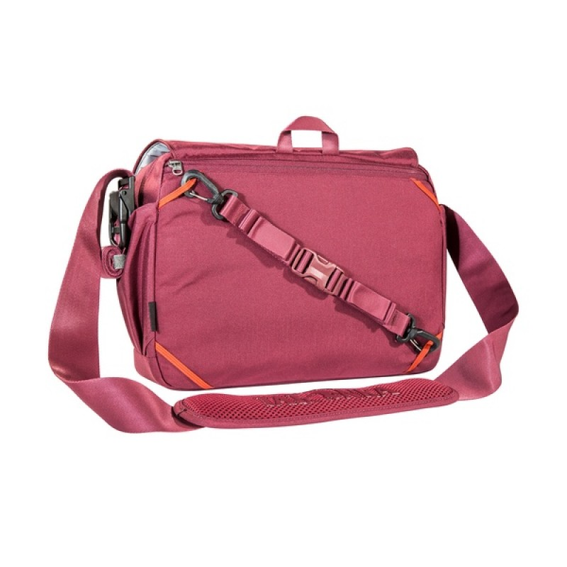 Городская сумка Tatonka Baron bordeaux red (фото 2)
