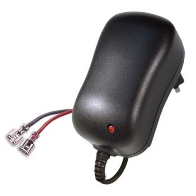 Зарядное устройство для аккумуляторов ROBITON LAC12-1000